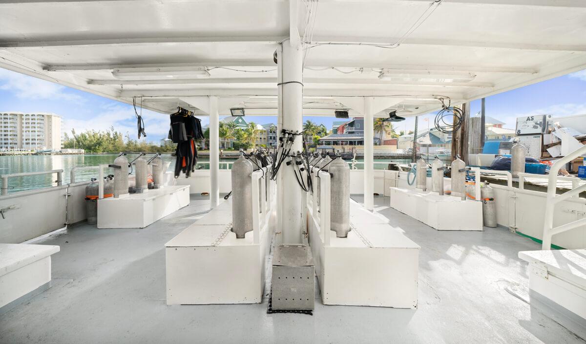 tropical-seas_schiffe_bahamas-master-0-1