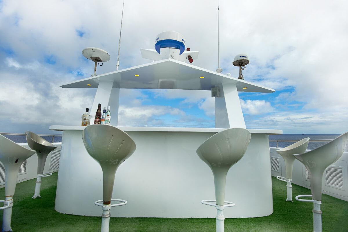 tropical-seas_schiffe_galapagos-master-0-09