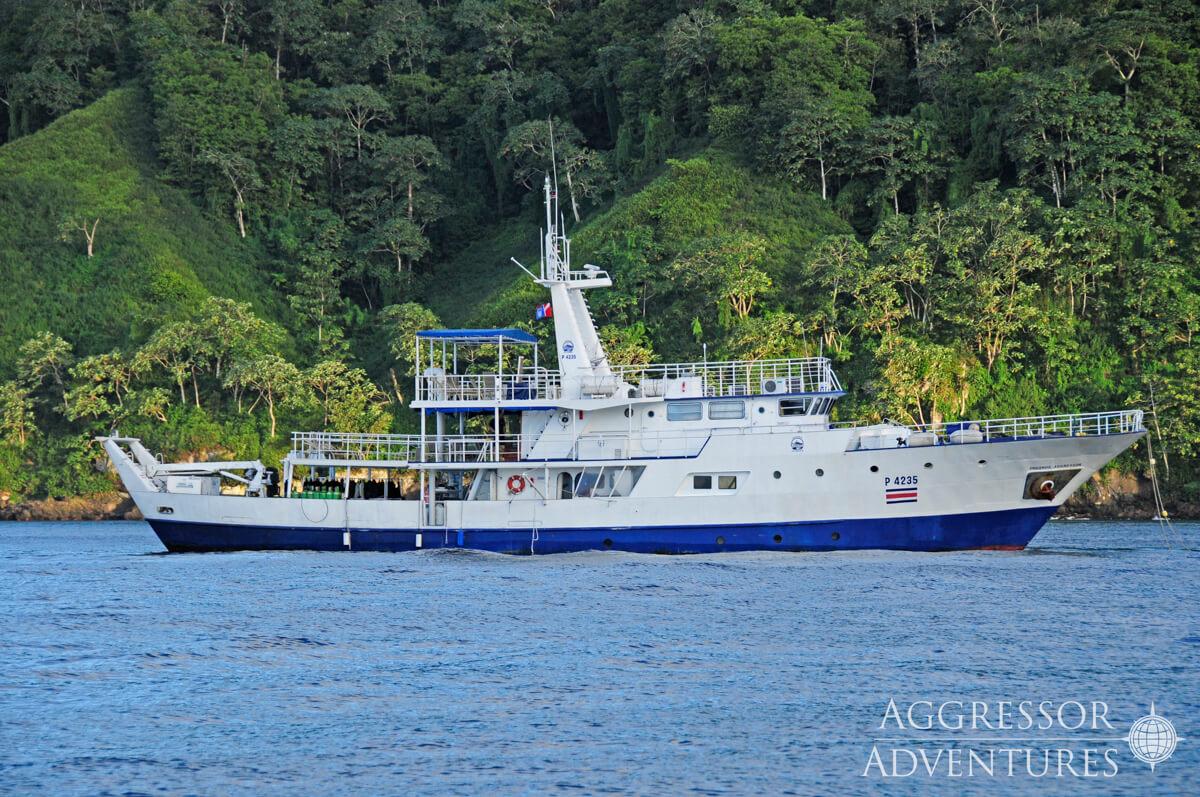 tropical-seas_schiffe_okeanos-aggressor-1-0-10